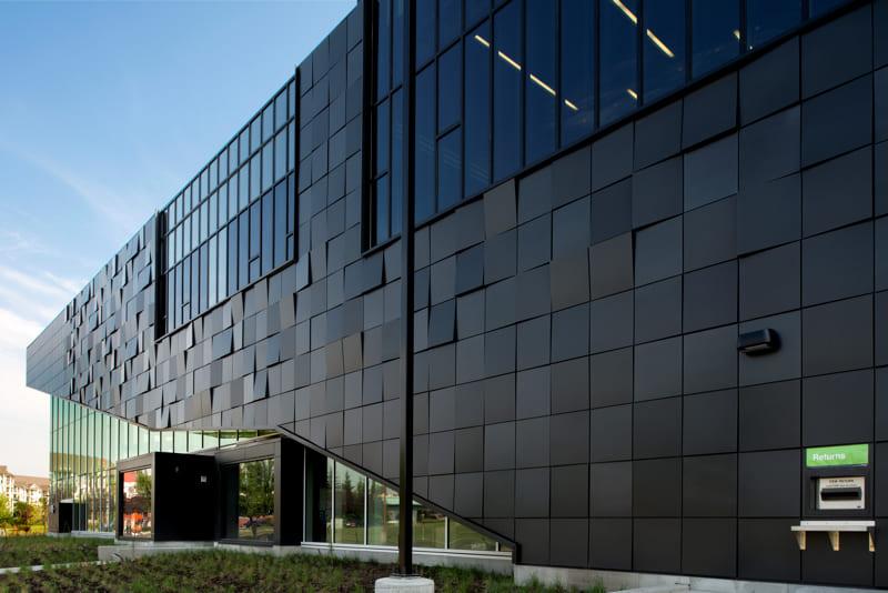 Advantages of Aluminum Panels In Warm Climates