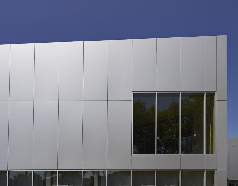 Advantages of Using Aluminium Composite Panels on Exterior Walls